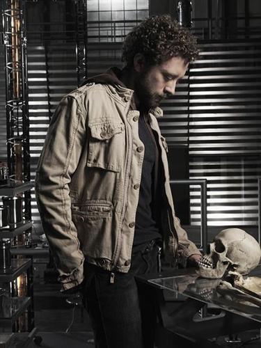 TJ-Bones-2005-platform-with-skull-2
