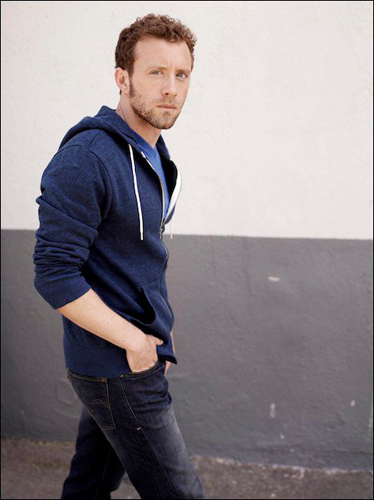 TJ-Thyne-Blue-t-shirt-walking-photo20
