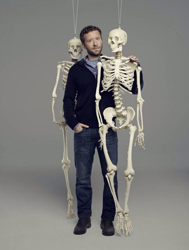 TJ-Thyne-Bones-Promo-shoot-2013-skeleton