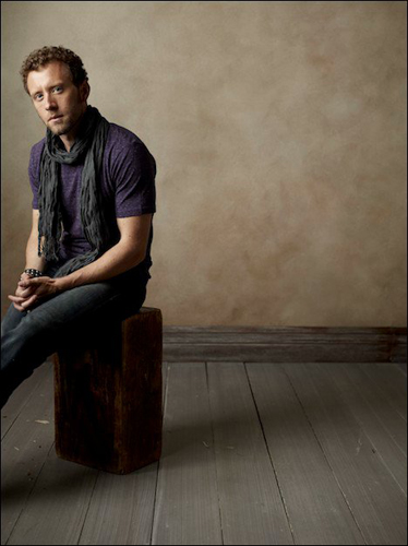 TJ-Thyne-purple-t-shirt-scarf-seated-off-center-photo24